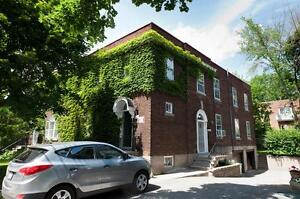 4825 Wilson 1,995$ Renovated upper duplex with basement & garage