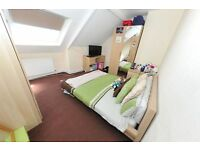 LOVELY ROOM TO LET IN PROFESSIONAL HOUSESHARE | TOP RATED MANAGEMENT | Reference:RNE00609
