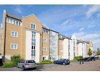 3 bedroom flat in Reliance Way, East Oxford,