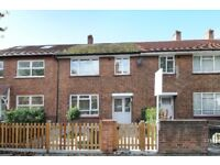 A Beautiful refurbished 3 bedroom house, within the BedfordPark Conservation Area.