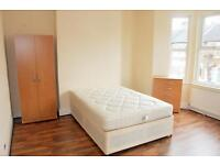 1 bedroom in Halley Road (Room 3), London, E12