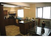Rooms To Rent In Shared Professional House.