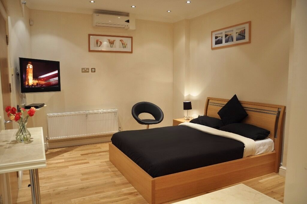 Reception-Housekeeper for a small 4* Hotel in Finsbury