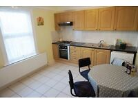 Large Two Double Bedroom Flat, North Finchley N12 - £310.00 per week