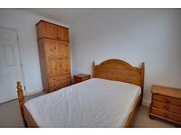 1 MONTH LET AVAILABLE 17TH JULY: ONE BEDROOM: FIRST FLOOR: FULLY FURNISHED: TOWN CENTRE LOCATION