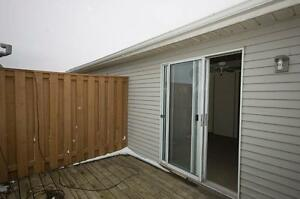 2 Bedroom Condo Townhomes Walkout Upper Decks! Kitchener / Waterloo Kitchener Area image 4
