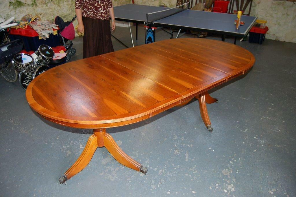 Yew Dining Table in Leslie Fife Gumtree : 86 from www.gumtree.com size 1024 x 680 jpeg 100kB