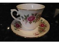 QUEEN ANNE BONE CHINA 21 PIECE TEA SET pink rose bouquet floral design gilted gold rim pretty £90