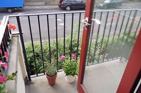 * Spacious 3 DOUBLE bed * Balcony * Modern kitchen and bathroom *