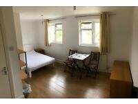 Large double room HA8