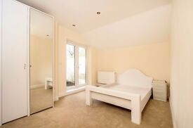 TWO DOUBLE BEDROOM FLAT ON GUNNERSBURY AVENUE CLOSE TO ACTON TOWN TUBE STATION £1800 PCM