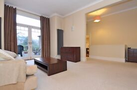 STUNNING TWO BEDROOM FLAT ON GORDON ROAD WITH PRIVATE GARDEN £2150 PCM