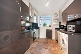 **OUTSTANDSING 3 DOUBLE BEDROOM APARTMENT SET IN THE HEART OF ST. JOHN'S WOOD**