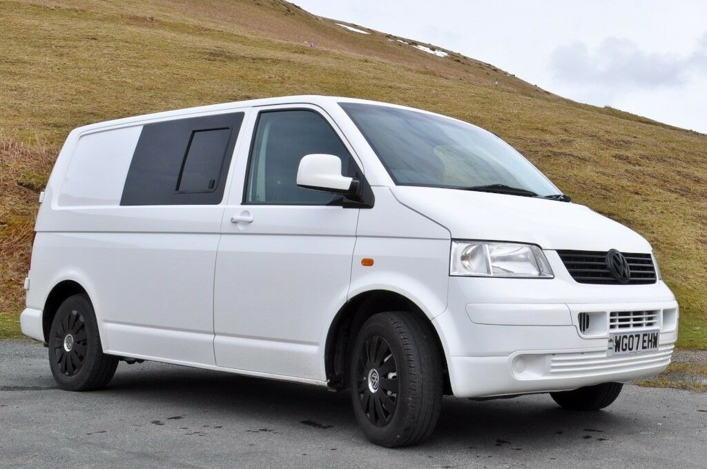 2b3019a425 VW Transporter T5 camper  day van (SWB) with full width RIB bed