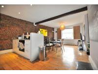 Brilliantly located 4 bedroom, 2 bathroom split level flat in Old St EC1