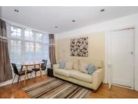 A well presented two double bedroom ground floor flat to rent in Kingston. Effingham Lodge.