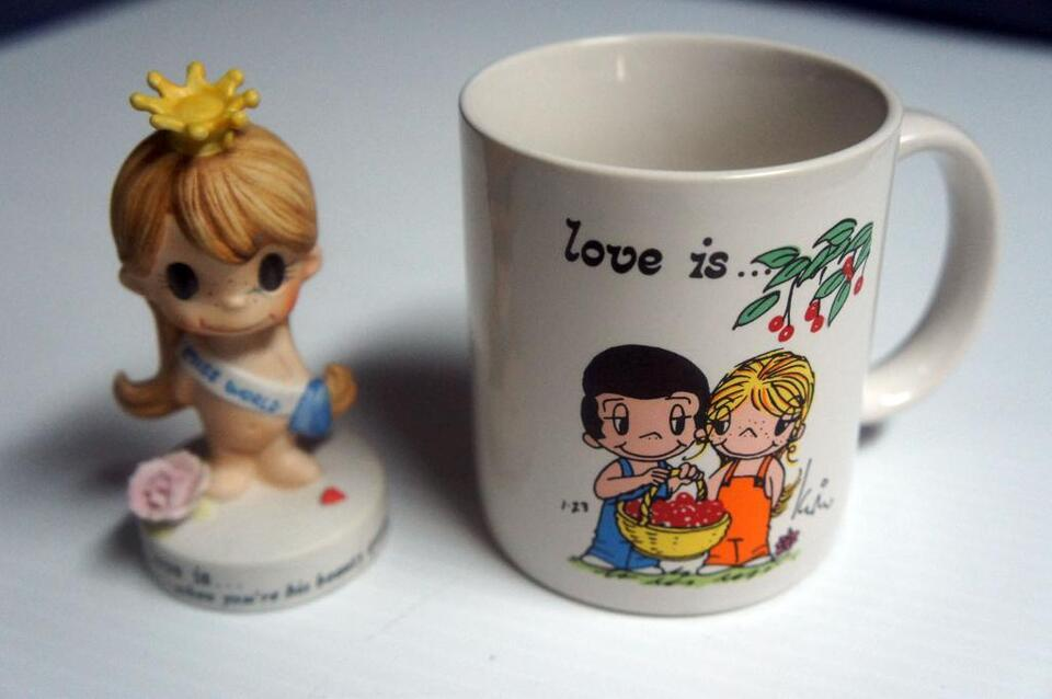 Love Is Kim Casali Rare Collection Of Plates Figurines