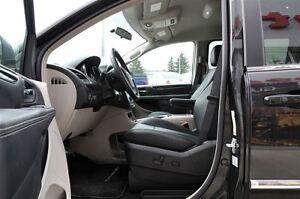 2016 Chrysler Town & Country Touring-L Edmonton Edmonton Area image 6