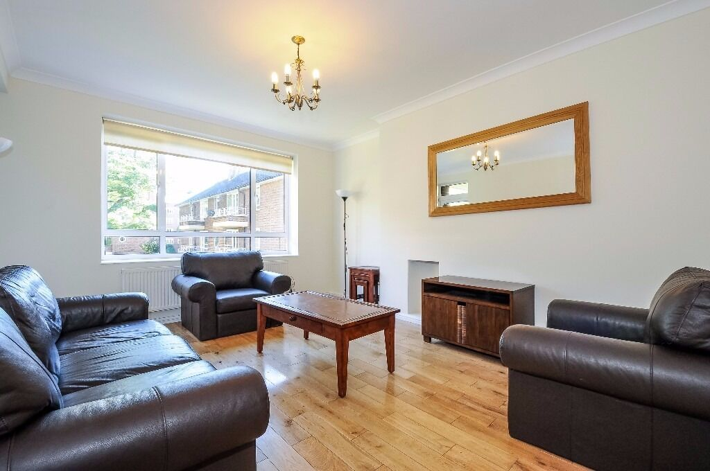 *Superb one bedroom first floor flat with a balcony in a small purpose built block £390pw/£1690pcm*