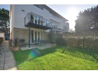 SANDBANKS: SPACIOUS THREE BEDROOM TOWN HOUSE: OFFERING PRIVATE GARDEN: WIFI INCLUDED