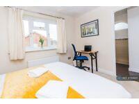4 bedroom house in Coalmans Way, Burnham , SL1 (4 bed) (#1121820)