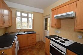 3 bedroom flat in Brook Lodge, North Circular Road, London, NW11