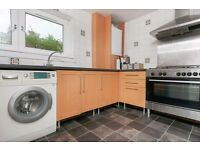 STUDENTS 17/18: Spacious 4 bed 1st floor HMO flat near Napier Uni available August - NO FEES!