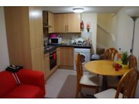BEAUTIFUL 2 BEDROOM TOP FLOOR FLAT TO RENT ON LOWER CATHEDRAL ROAD