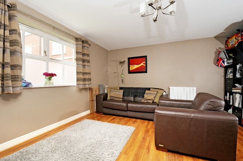 Two Double Bedroom Flat, Macmillian Way, Tooting Bec SW17, £1450 Per Month