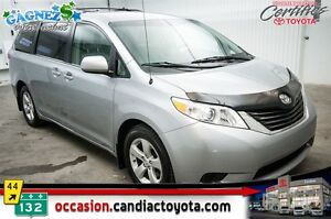 2013 Toyota Sienna V6 LE 8 PASSAGER