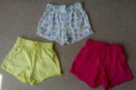 Girls shorts (age 4)