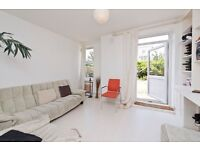 NEWLY DECORATED THREE DOUBLE BEDROOM GROUND FLOOR FLAT