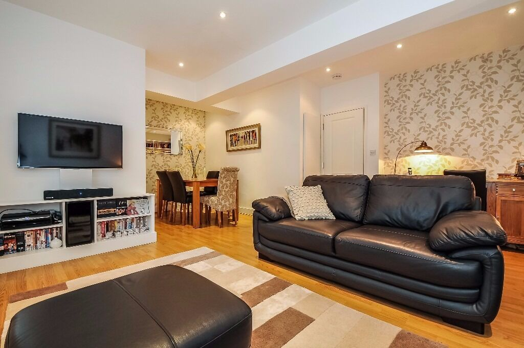 AVAILABLE 23rd of NOV/NO ADMIN FEE £550pw 2 bed, modern, just off of Upper Street N1, furnished