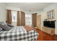 A charming two double bedroom house to rent in popular Wimbledon Park grid with study