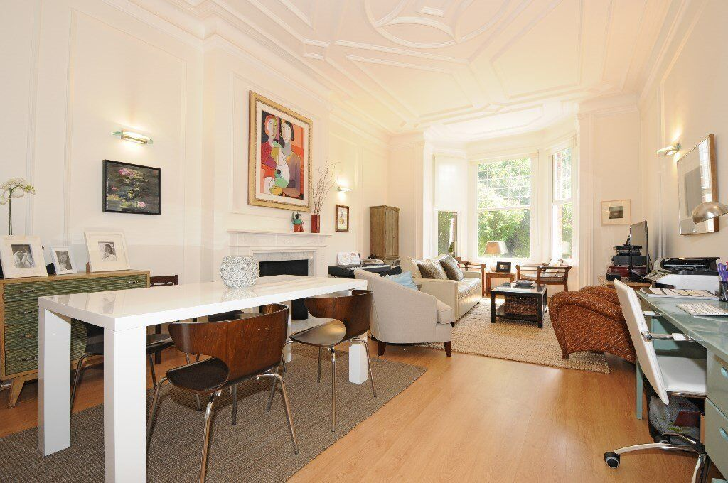 COM - A very spacious well presented 3 double bedroom garden flat to rent in South Hampstead