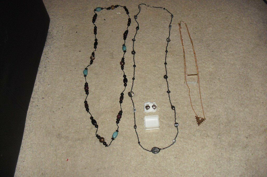 SELECTION OF COSTUME JEWELLERY SETS OF BEADS, 3 TIER NECKLACE, PLAYBOY PENDANTSin Sheffield, South YorkshireGumtree - SELECTION OF COSTUME JEWELLERY INCLUDES 2 SETS OF BEADS, 3 TIER GOLD PLATED COLOURED NECKLACE AND 2 PLAYBOY SILVER PLATED PENDANTS, CAN POST I DO HAVE A PAY PAL ACCOUNT FOR PAYMENT