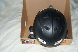 R.R.E.D Skycap II 2 Adult Ski / Snowboarding Helmet Small 55-57 cm Black