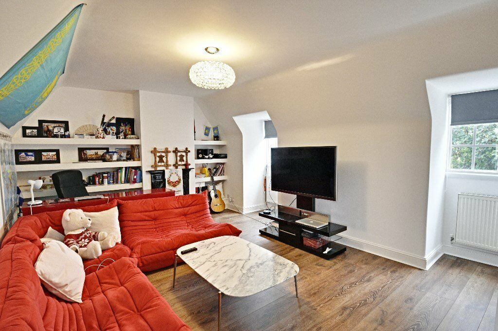 Superb newly refurbished modern 2 double bed duplex apartment in Hammersmith perect for a family