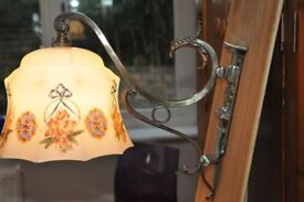 ANTIQUE STYLE WALL LIGHT