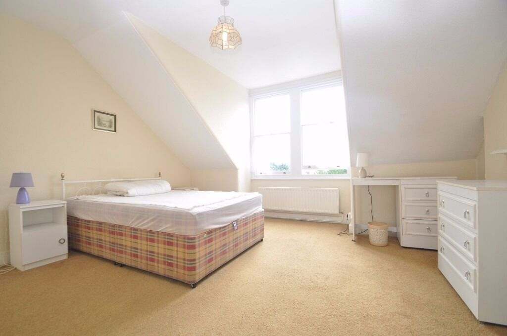 ** Two bedroom flat to rent in Ealing Broadway**