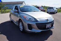 2012 Mazda MAZDA3 GS! 0.9%Financing! New MVI! New Tires