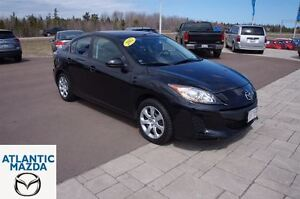 2012 Mazda MAZDA3 0.9% Financing Available! Only 28k!