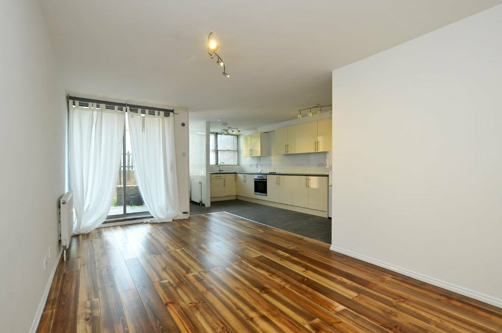 Clephane Road, two bed flat with patio in Islington