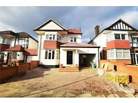 5 bedroom house in Denehurst Gardens, London, NW4