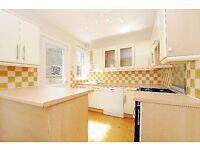 A Two Double Bedroom Maisonette in Clapham on Mandalay Road - SW4, £2100 Per Month