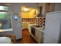 Pet friendly- delightful and unique 3 bed Victorian Cottage in heart of West Didsbury. Redecorated