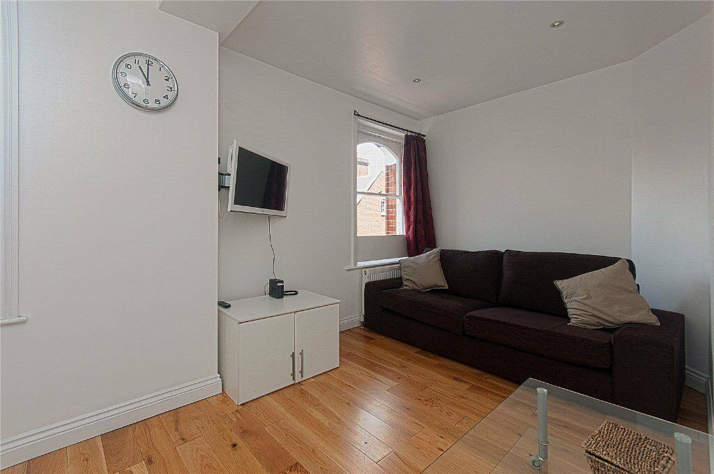 LOVELY TWO BED TWO BATH LOCATED IN BAKER STREET - WOODEN FLOOR - ZONE 1 - MARYLEBONE HIGH STREET