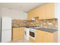 2 bedroom flat in Horspath Driftway, Headington, Oxford