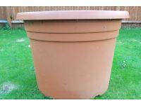 Extra large plastic plant pot 68,5cm