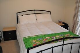Double bed, bedside cabinets & double mattress